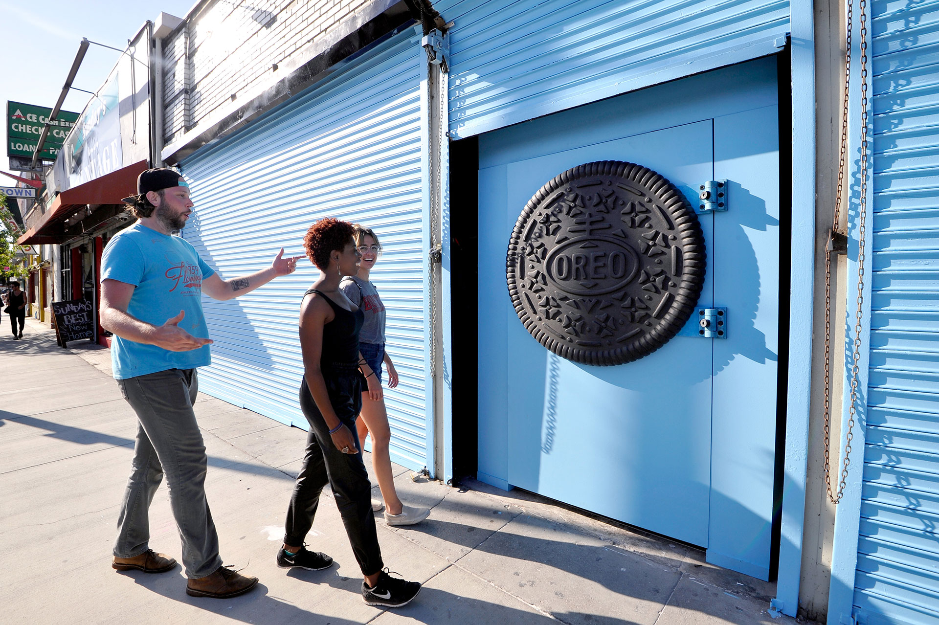 See the Dreamland Behind This Mysterious Oreo Storefront in L.A.